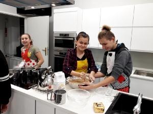 Pierniki w szkolnej kuchni